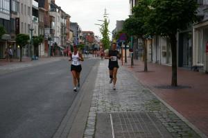 samen lopen met Katrien, we kiezen voor ons eigen tempo en laten de anderen lopen...