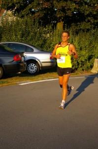 Aan het 'uitlopen' in de laatste kilometers van de wedstrijd, al een stuk gerecupereerd terug, er kan alweer gelachen worden =)