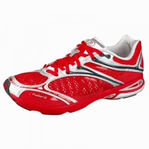 m'n nieuwe wedstrijdschoen voor de kortste afstand: de Kalenj Inspid Comp. (en ja ik heb een zwak voor rood :))