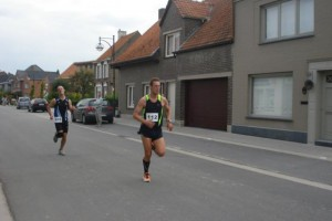 nog 10 meter, in volle sprint,...