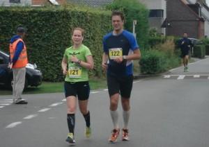 voor de 2e maal richting finish (foto: Eddy Van Boven)