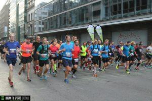 Tijdens de eerste kilometers - pacen samen met Roel (foto: Urban Tri Sports)