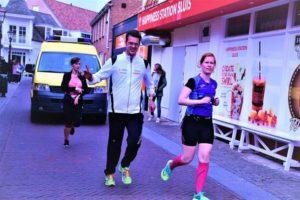 tijdens de eerste kilometer, net voor de bezemwagen (foto: Tim)