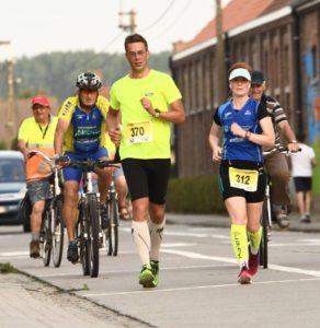 Samen met Jessie bijna aan de finish (foto: Tim Verbeke)